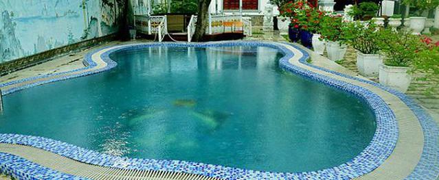 Biệt thự 2.000 m2 nhìn như lâu đài với hồ bơi tuyệt đẹp của nam diễn viên Chí Dũng