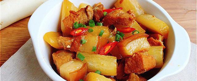 Thịt kho củ cải đưa cơm ngày mưa lạnh