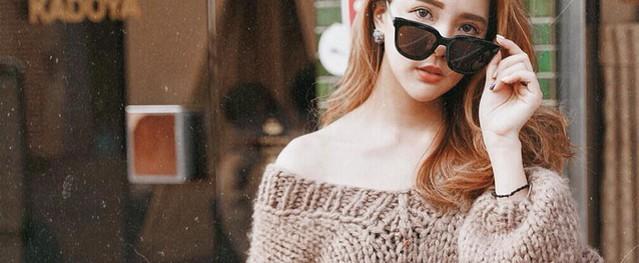 """Muốn trông xinh tươi và """"mi nhon"""" hơn, các nàng cứ diện lên mình chiếc áo len cổ tim"""