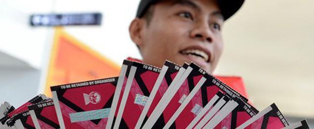 Giá vé xem trận Lào gặp ĐT Việt Nam chưa đủ mua một tô phở