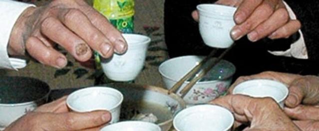 Nghệ An: 3 người trong một gia đình tử vong nghi uống rượu ngâm rễ cây