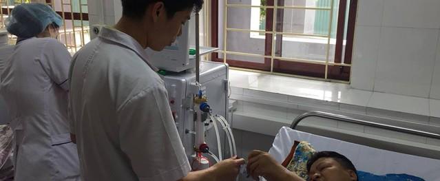 Vụ bác sĩ bị truy tố vì sự cố chạy thận: Bệnh nhân mong BS Hoàng Công Lương tiếp tục được làm việc