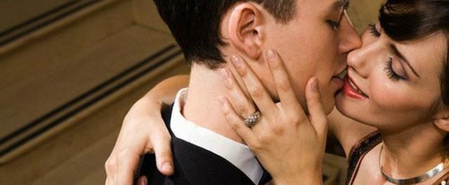 Muốn trở về với vợ nhưng bị người tình ngăn cản bằng thủ đoạn hèn hạ