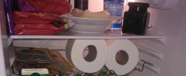 Chị em thi nhau đặt cuộn giấy vệ sinh vào tủ lạnh, hóa ra vì lý do bất ngờ này