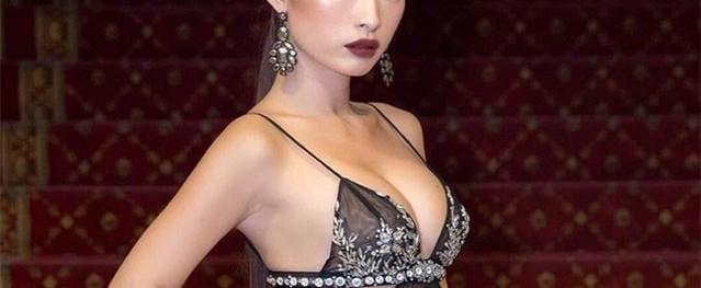 """""""Thót tim"""" với hàng loạt chiếc váy xẻ cao táo bạo của mỹ nhân Việt"""