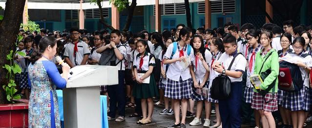 Gần 90.000 thí sinh thi vào lớp 10 công lập ở Sài Gòn