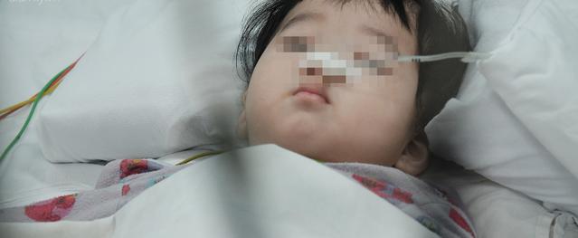 Bà ngoại bé trai bị mẹ đâm nhiều nhát thủng ruột: