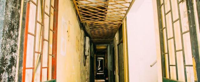 Ngôi nhà ở phố cổ Hà Nội đẹp như một bức tranh hoài niệm về quá khứ