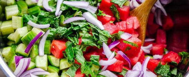 Công thức làm salad mà ăn cả tuần không chán, vừa rẻ lại vừa ngon