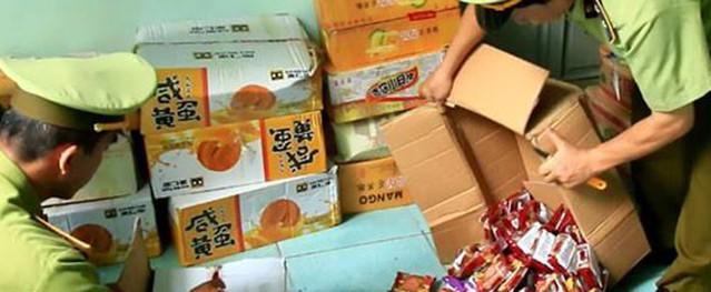 Hàng nghìn bánh Trung thu Trung Quốc bị thu giữ ở Hà Nội