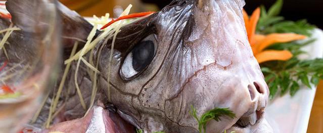 Lác mắt với mâm cỗ ngày Tết toàn hải sản ngoại của giới đại gia