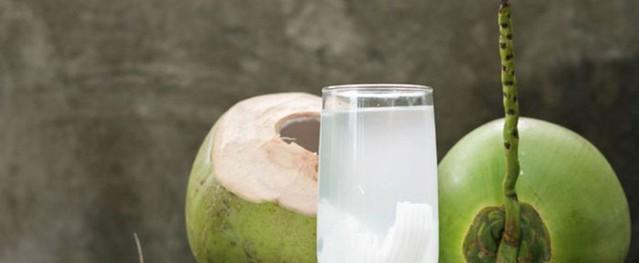 Vì sao ngày nay không ai truyền nước dừa trực tiếp vào cơ thể nữa?