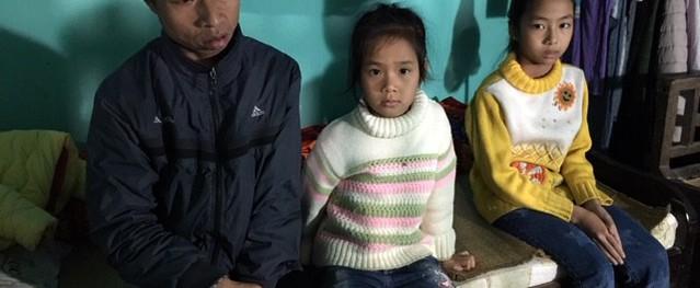 Xót xa cụ bà 73 tuổi phải gồng gánh nuôi chồng con bệnh tật và 2 cháu thơ dại
