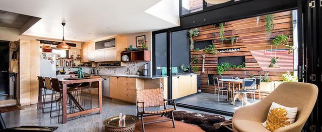 Thiết kế chẳng giống ai, chủ nhân biến ngôi nhà của mình trở nên đặc biệt với tranh vẽ tường cực ấn tượng