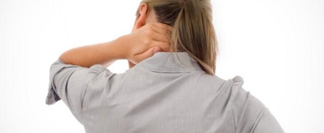 Vì sao đau sái cổ?