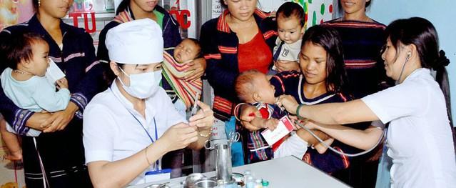 Hội nghị sơ kết 3 năm và kế hoạch 2 năm của Chương trình mục tiêu Y tế - Dân số giai đoạn 2016-2020: Cần tăng cường nguồn lực ở cả Trung ương và địa phương