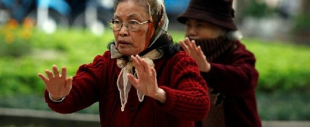 Cách phòng bệnh cho người cao tuổi vào mùa đông