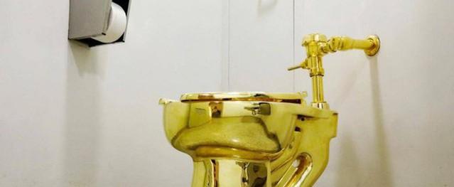 Bồn cầu vàng 18-karat trị giá 140 tỷ trong cung điện Anh bất ngờ bị trộm lấy mất