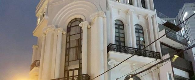 Khung cảnh lộng lẫy tại căn biệt thự khủng nhà Bảo Thy được dân mạng ví như tòa lâu đài trước giờ nữ ca sĩ về nhà chồng