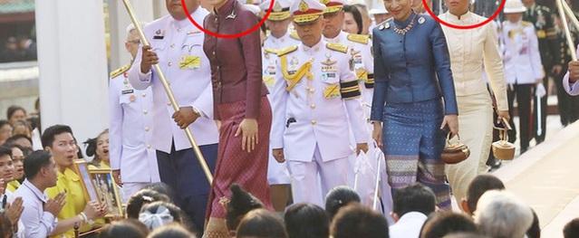 Hình ảnh Hoàng hậu Thái Lan mặc đẹp lấn át 2 con riêng của chồng khiến nhiều người chú ý