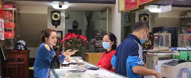 Ngày vía thần Tài ở Hải Phòng : Khách mua rải rác vì tránh tập trung giữa dịch nCoV