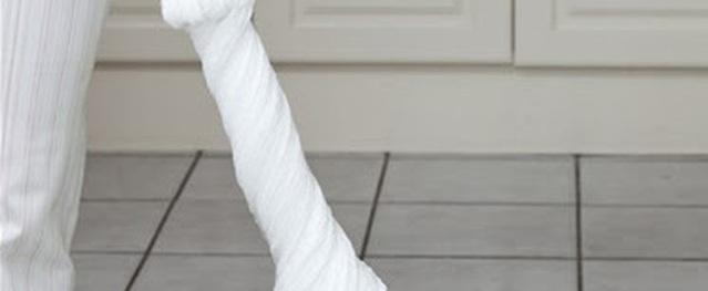 Đừng để chổi lau nhà ẩm ướt bốc mùi gây ảnh hưởng sức khỏe nữa, nhanh chóng làm sạch nó bằng mẹo nhỏ này
