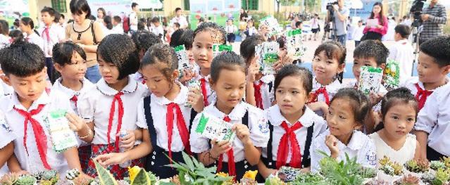 """""""Quỹ 1 triệu cây xanh cho Việt Nam"""": lan tỏa tình yêu thiên nhiên, môi trường đến với học sinh"""