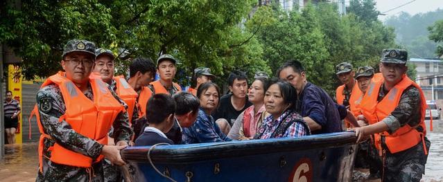 Lũ lụt đặc biệt nghiêm trọng ở Trung Quốc khiến hơn 100 người chết, mất tích
