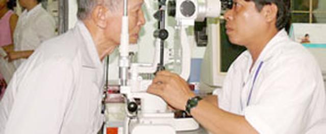 Mổ miễn phí cho 50 bệnh nhân đục thủy tinh thể