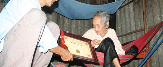 Món cơm trộn chuối của cụ bà 121 tuổi