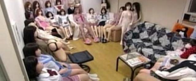 Bác sĩ cảnh báo nguy cơ thủng âm đạo, lây bệnh tình dục vì sex toys