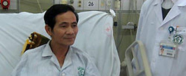 Cụ ông sốc tim thoát chết nhờ tim, phổi nhân tạo