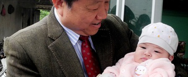 Trong trẻo và đáng yêu công dân thứ 90 triệu của Việt Nam