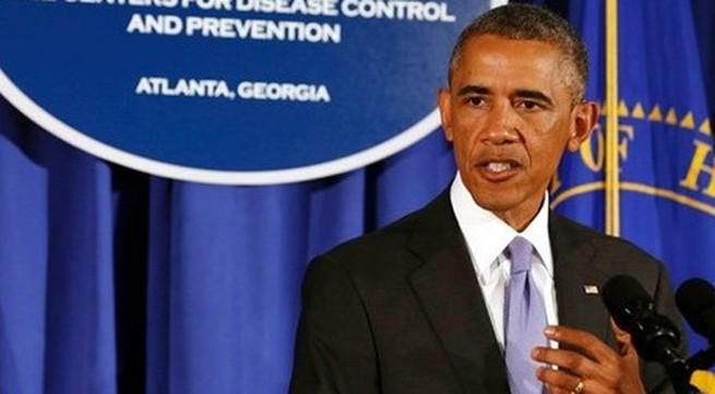 """""""Tay súng"""" mất việc vì đi chung thang máy với... Tổng thống Obama"""