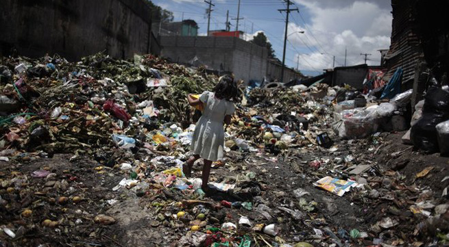 Cuộc sống trẻ em ở những nơi ngập tràn rác