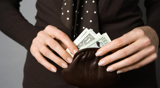 Mới yêu nhau ba tháng, bạn trai đã đòi mượn tiền