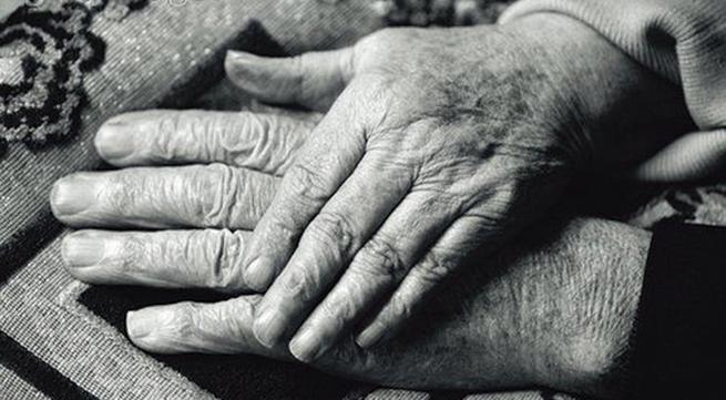 Cảm động câu chuyện tình yêu của cặp vợ chồng 90 tuổi