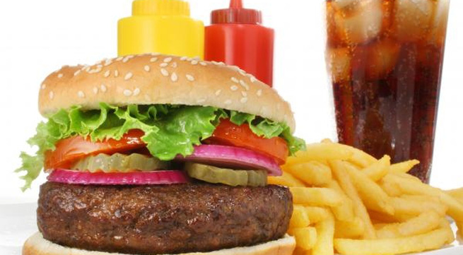 Thực phẩm không nên dùng làm bữa trưa