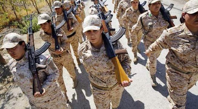 Sợ mất 72 trinh nữ, chiến binh IS hò nhau tháo chạy trước các nữ chiến binh