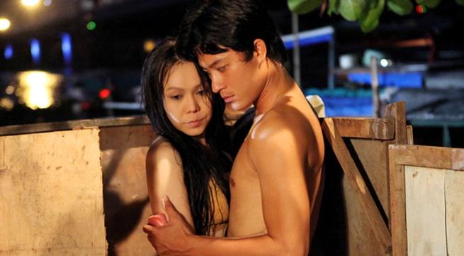 Việt Hương lần đầu đóng cảnh nóng với trai trẻ