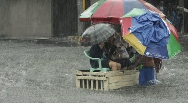 Tang thương cả nghìn người phải sơ tán bởi lũ lớn ở Philippines