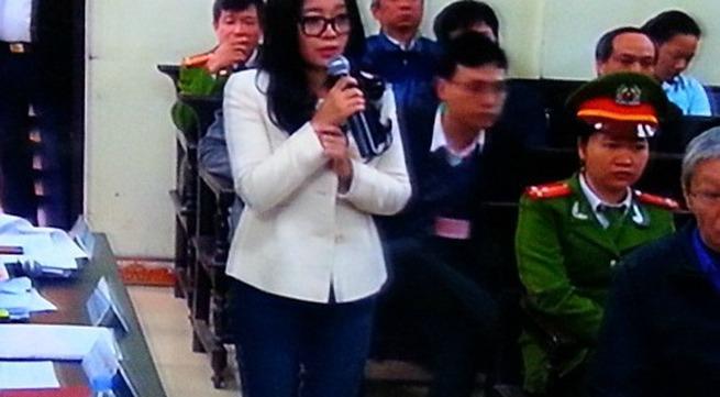 Vợ bầu Kiên bật khóc tại tòa