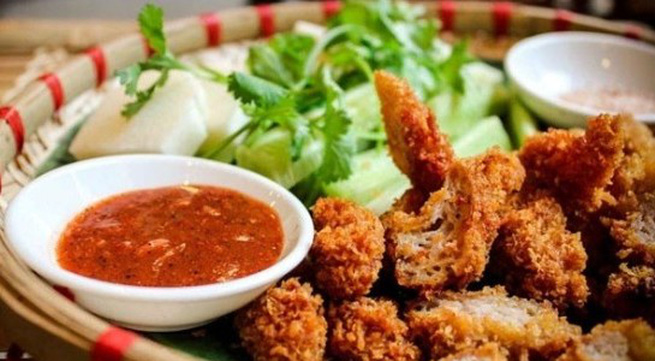Những món quà chiều dưới 25.000 đồng nóng hổi đầu đông ở Hà Nội