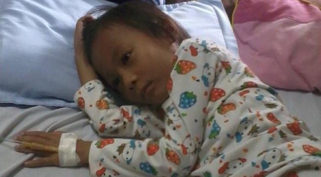 """Bé gái ung thư máu chờ """"án tử"""" đã qua đời"""