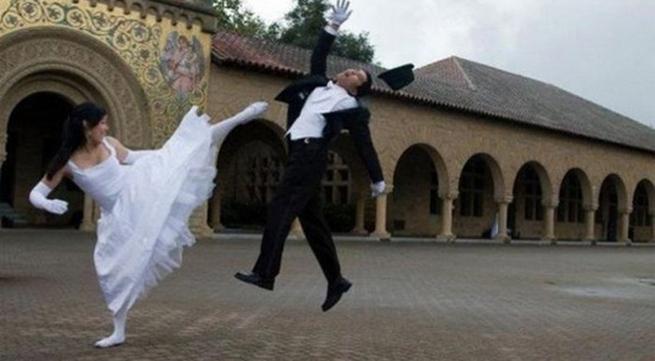 """Cô dâu, chú rể và những tình huống """"khó đỡ"""" ngay trong đám cưới"""