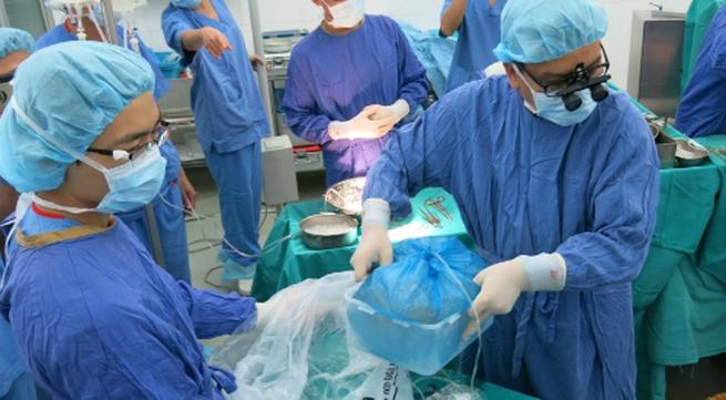 Khối gan tim từ người chết não ở TP HCM ghép cho bệnh nhân Hà Nội