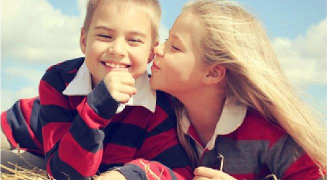 7 điều phụ huynh cần tránh khi phát hiện con yêu sớm