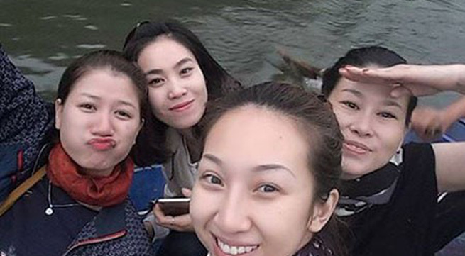 Trang Trần đi chùa Hương sau khi được tại ngoại