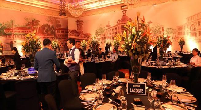Dạ tiệc cưới 'Đêm phương đông' đậm màu sắc cổ điển của Ngân Khánh