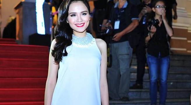 Hoa hậu Diễm Hương hạnh phúc đón đứa con đầu lòng